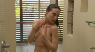 Claire Forlani Nude [634x352] [22.29 kb]
