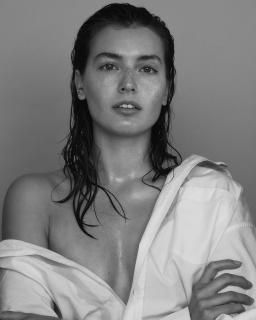 Jessica Clements [1536x1920] [318.81 kb]