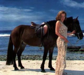 Gillian Anderson [537x480] [35.44 kb]