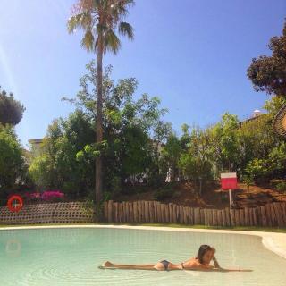 Natalia Sánchez en Bikini [750x750] [158.41 kb]