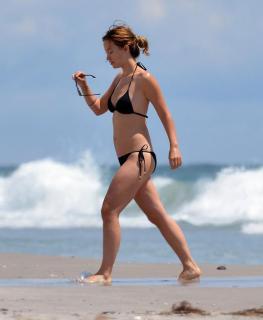 Olivia Wilde en Bikini [800x973] [47.28 kb]