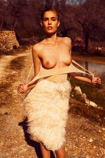 Nadja Bender en Topless [800x1200] [259.53 kb]
