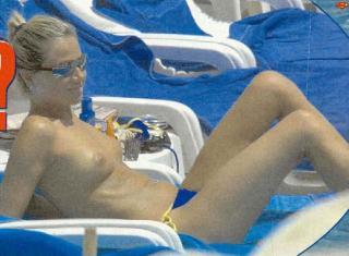Federica Panicucci en Topless [802x590] [84.32 kb]