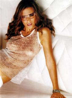 Natalia Robres [1634x2208] [392.16 kb]