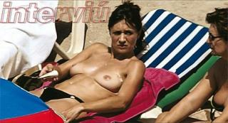 Maria Botto en Topless [500x271] [46.62 kb]