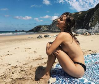 Silvia Alonso en Topless [1080x912] [284.81 kb]