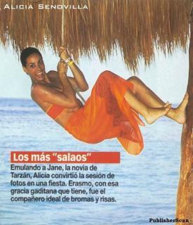 Alicia Senovilla en Bikini [603x700] [81.09 kb]