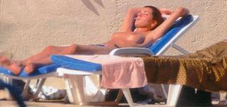Eugenia Santana en Topless [892x425] [67.5 kb]