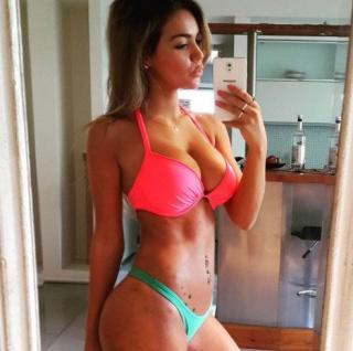 Lucía Rubio en Bikini [492x490] [54.57 kb]