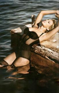 Kylie Minogue [645x1000] [89.62 kb]