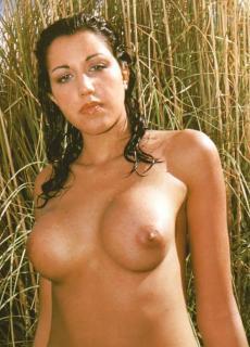 Nuria Bermúdez en Topless [491x681] [60.44 kb]