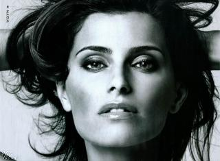 Nelly Furtado [1600x1175] [312.4 kb]