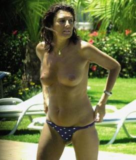 Carmina Ordoñez en Topless [332x390] [27.59 kb]