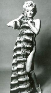 Marilyn Monroe [325x586] [34.47 kb]