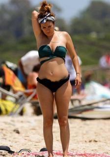 Blanca Suárez en Bikini [700x1000] [101.72 kb]