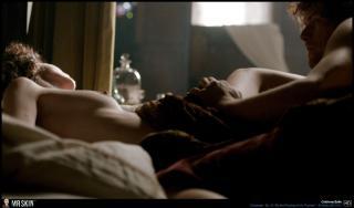 Caitriona Balfe en Outlander Desnuda [1940x1140] [265.33 kb]