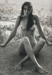 Stephanie Corneliussen Desnuda [889x1280] [345.4 kb]