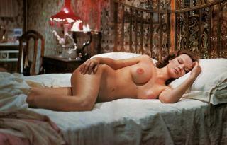 Laura Antonelli Desnuda [2048x1313] [536.95 kb]