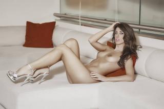 Judit Benavente en Revista Ojos Desnuda [900x600] [56.31 kb]