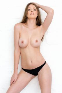 Rosie Danvers Desnuda [1000x1500] [220.08 kb]