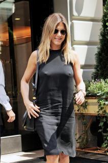 Jennifer Aniston [1497x2250] [489.86 kb]