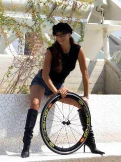 Patricia Manterola [392x524] [43.92 kb]