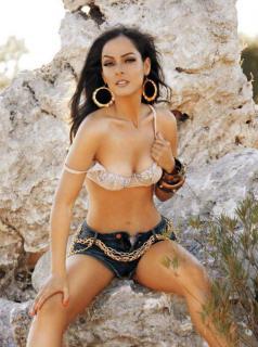 Andrea García en Playboy [964x1293] [171.52 kb]
