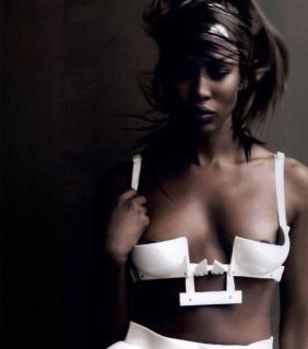 Naomi Campbell [856x969] [100.89 kb]