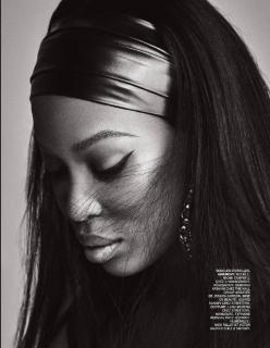 Naomi Campbell en Lui Magazine [1238x1592] [349.88 kb]