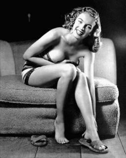 Marilyn Monroe [399x500] [38.56 kb]