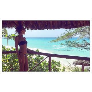 Cristina Castaño en Bikini [1080x1080] [281.17 kb]