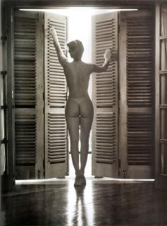 Renata Longaray en Playboy Desnuda [1275x1719] [690.18 kb]