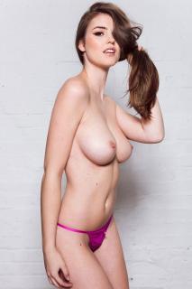Rosie Danvers Desnuda [1000x1500] [299.4 kb]