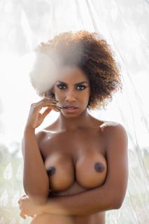 Ivi Pizzott in Playboy Nude [1826x2739] [866.75 kb]