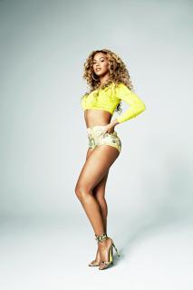 Beyoncé [1400x2100] [176.33 kb]