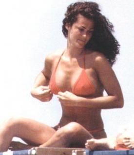 Samantha De Grenet en Bikini [488x567] [32.09 kb]
