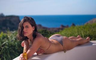 María Araújo Úbeda in Bikini [1024x642] [65.51 kb]