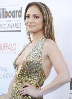 Jennifer Lopez [2400x3309] [772.28 kb]