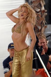 Shakira [1200x1800] [256.28 kb]