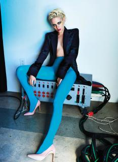 Kristen Stewart en V Magazine [2928x4013] [1283.83 kb]