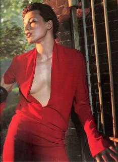 Milla Jovovich [1300x1776] [485.68 kb]