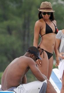 Gabrielle Union en Bikini [828x1200] [108.27 kb]