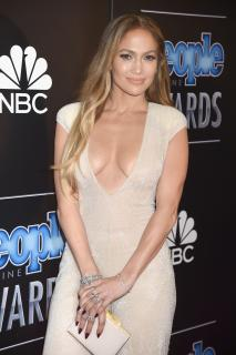 Jennifer Lopez [2600x3900] [1027.96 kb]