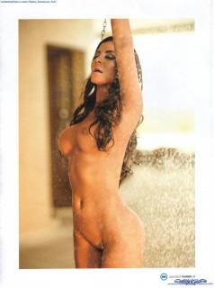 Julia Orayen en Playboy Desnuda [1600x2148] [346.14 kb]
