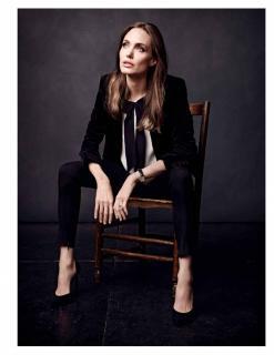Angelina Jolie [1118x1447] [167.91 kb]