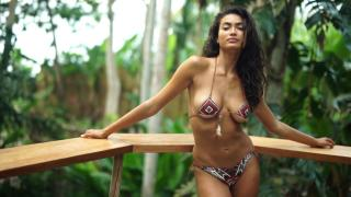 Kelly Gale en Si Swimsuit 2017 [1920x1080] [263.32 kb]