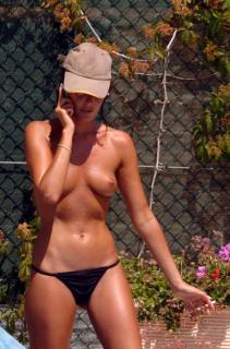 Alessia Merz in Topless [1700x2569] [361.98 kb]