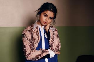 Selena Gomez [1500x1000] [200.25 kb]