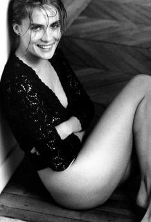 Emmanuelle Seigner [619x905] [71.52 kb]