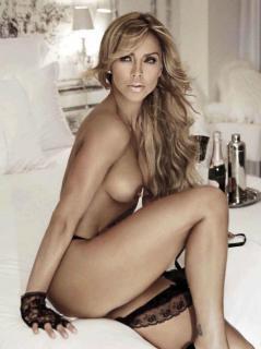 Aylín Mújica en Playboy Desnuda [818x1094] [85.06 kb]